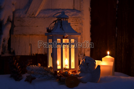 lantern, in, the, snow, peaceful, christmas - 10403773