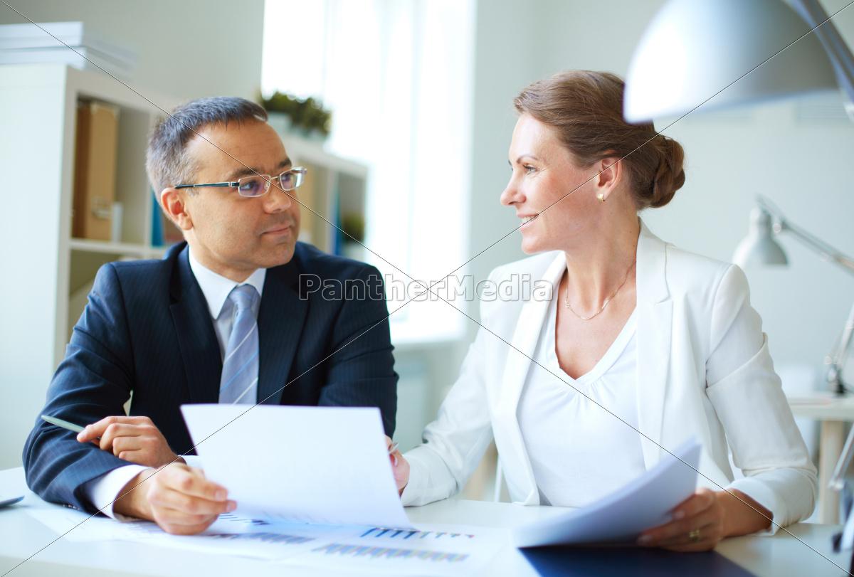 discussing, paper - 10422485