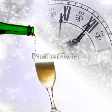 pouring, champagne - 10471405