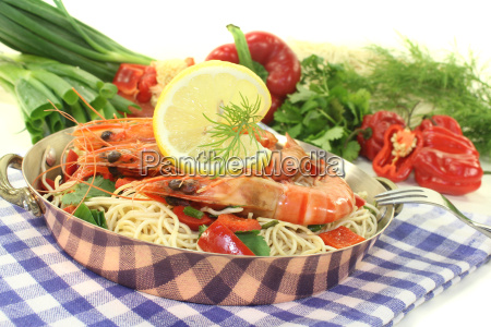 prawns with mie noodles and coriander