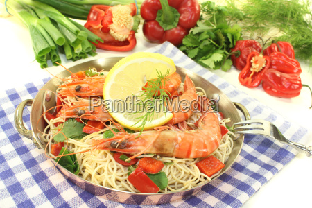 prawns with mie noodles and lemon
