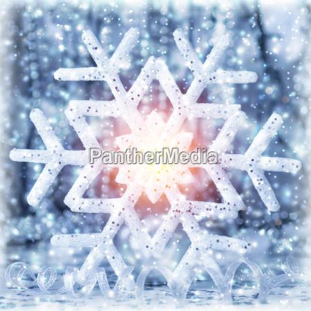 hermoso copo de nieve brillante