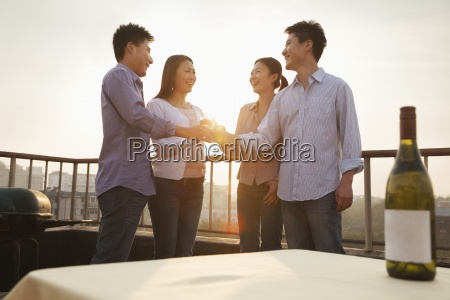 horizontal four people 20 24 years