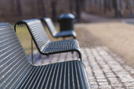 park benches in series