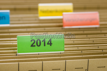 hanging folders with the label 2014