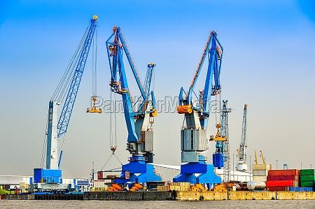 azul color industria trafico maritimo puerto