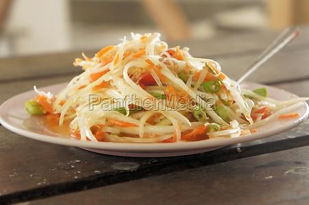 green papaya salad thai food