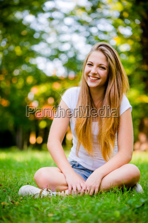 teen girl nature portrait