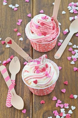 frozen yogurt with sugar hearts