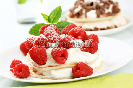 pancakes with cream and raspberries