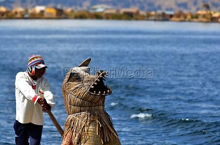 lake titicaca totora boat driver