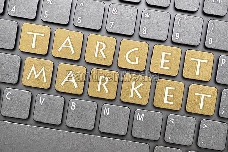 mercato di destinazione sulla tastiera