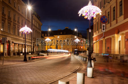 miodowa street in warsaw at night