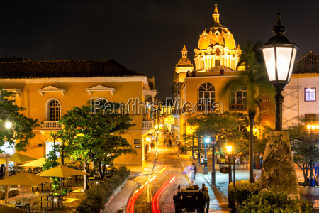 cartagena plaza at night