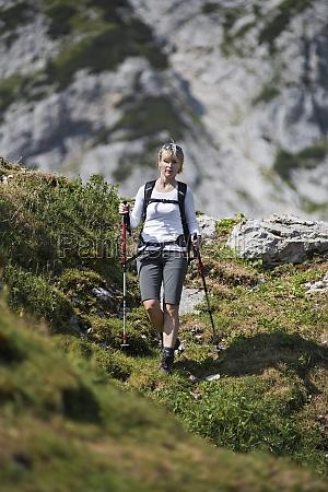 hiking - 11380479