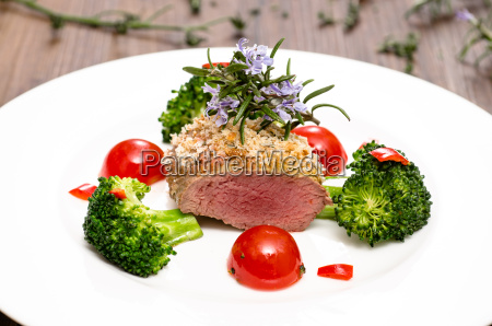 lamb fillet with broccoli