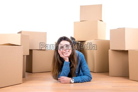 girl, with, boxes - 11419311