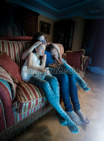 two girls fell asleep with mother