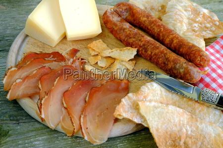 bretteljausen tirol bacon cheese