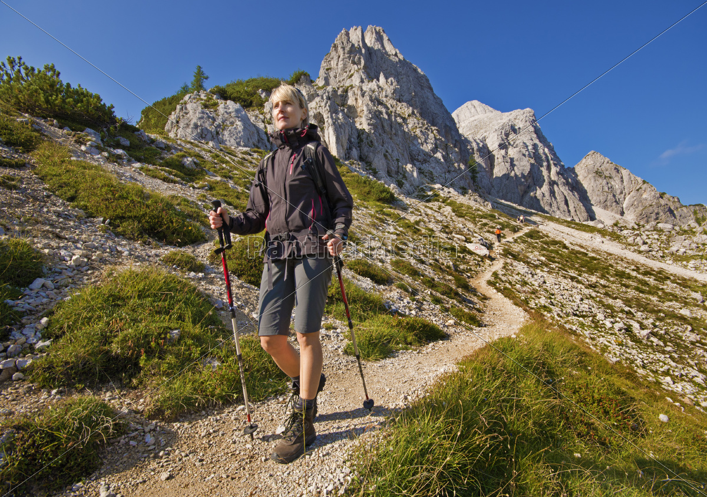 hiking - 11488685