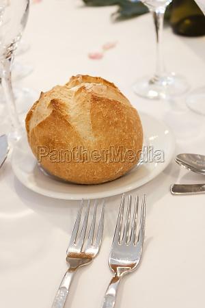 bread bun on a plate