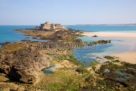 saint malo fort national and beach