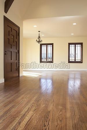 hardwood floor in empty home pasadena