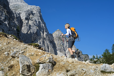 hiking - 11643650