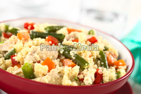 couscous with chickengreen beancarrot and bell