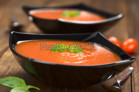 vegetable basil tomato soup pottage tomato