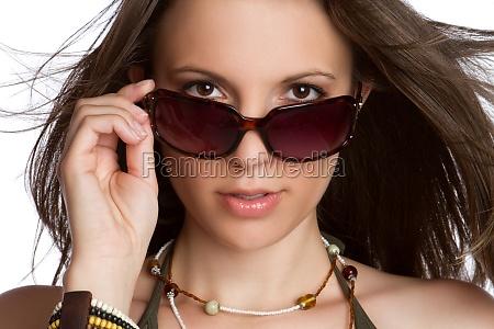 mulher sexy dos oculos de sol