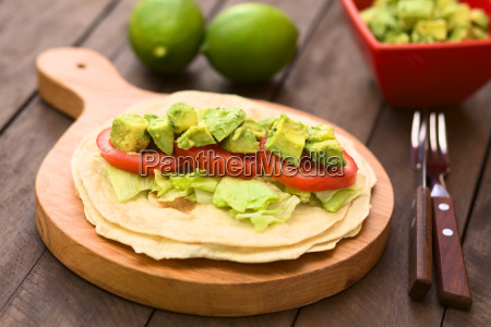 tortilla with lettucetomato and avocado