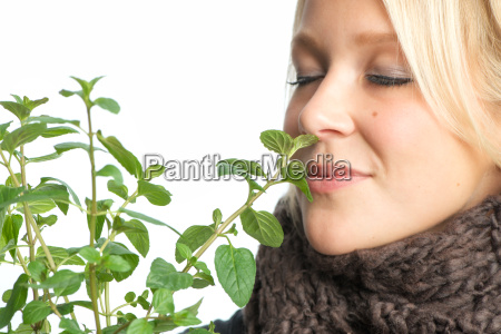 sick woman smells of peppermint
