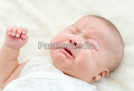 newborn baby cry