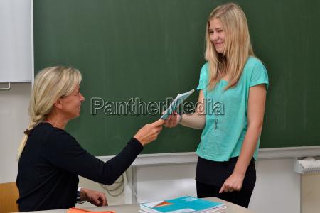 teacher gives schuelerin issue