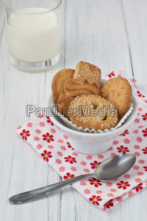 butter cookie with milk