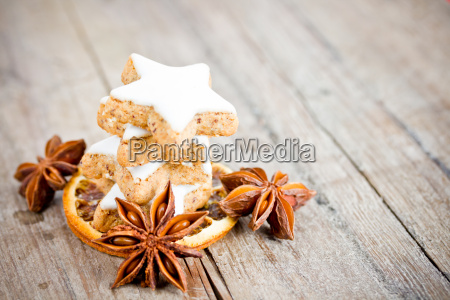 cinnamon stars and anise