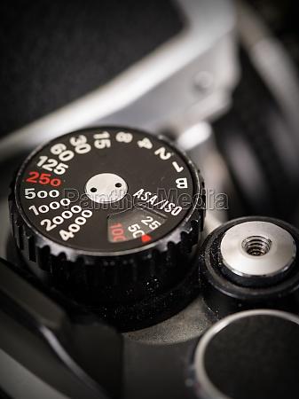 retro camera shutter speed knob