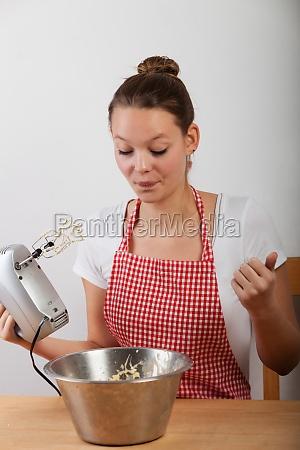 bake cake young woman