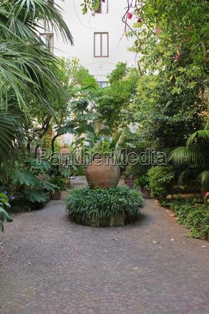 mediterranean garden