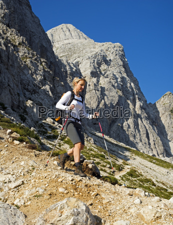 hiking, in, mountains - 11911749