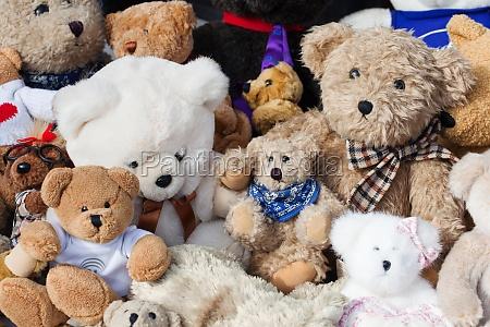 bears at flea market