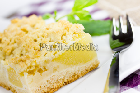 apple pie with streusel