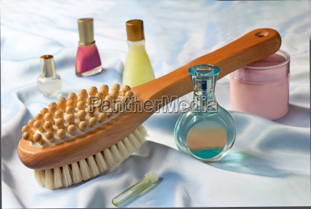 massage brush and conditioning agents behind