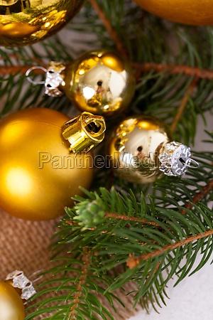 golden shining christmas decorations advebtsschmuck on