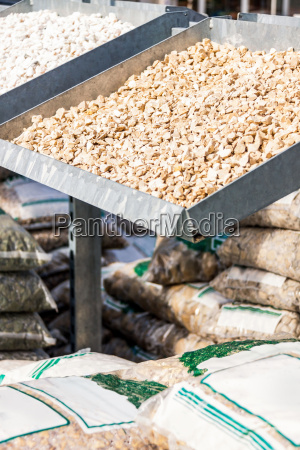 presentation of different types of gravel