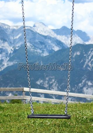 swing with chains on top of