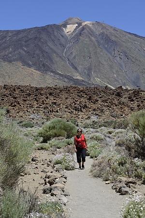 hiking at pico del teide tenerife