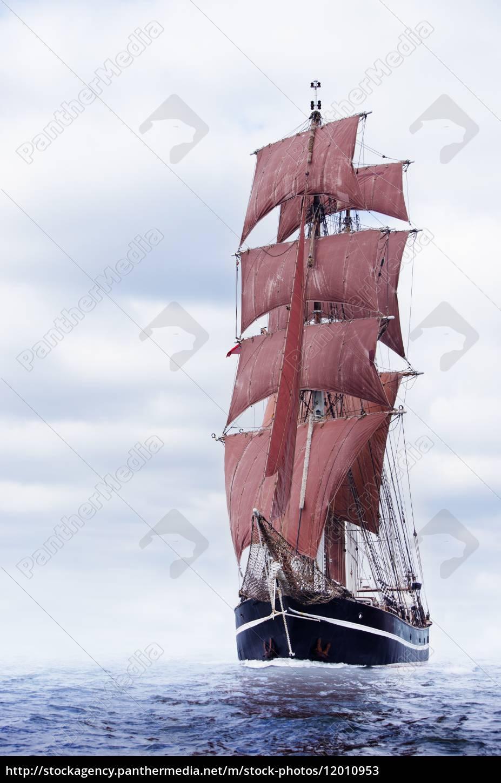 black, schooner - 12010953