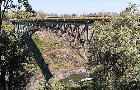 river zambezi bridge